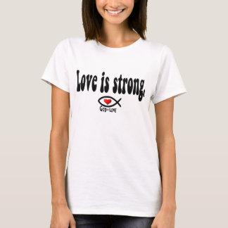 Camiseta O amor é forte
