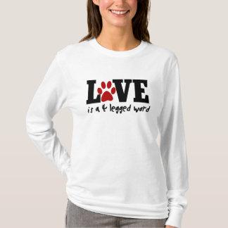 Camiseta O amor é uma palavra 4 equipada com pernas