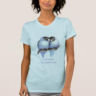 Camiseta O amor faz ao ninho o mais morno Lovebirds azuis,