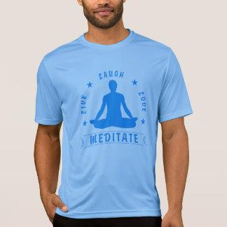 Camiseta O amor vivo do riso Meditate o texto masculino
