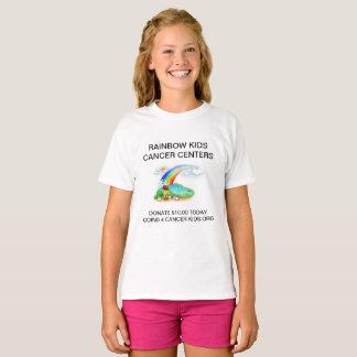 Camiseta O arco-íris caçoa o t-shirt Center do cancer para