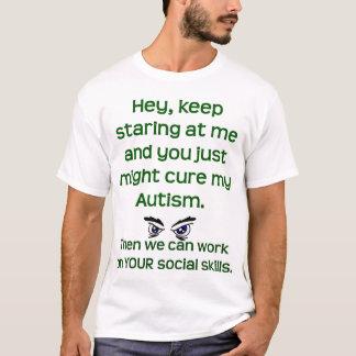 Camiseta O autismo/mantem-se olhar fixamente