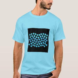 Camiseta O azul acena o t-shirt básico dos homens