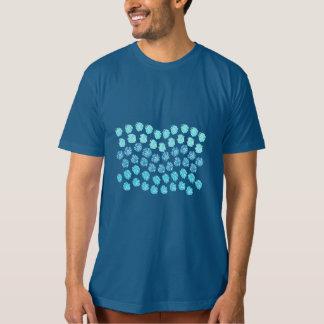 Camiseta O azul acena o t-shirt orgânico dos homens