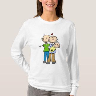 Camiseta O bebê faz três t-shirt e presentes