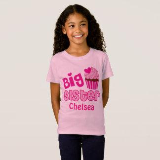 Camiseta O bolo cor-de-rosa dos doces do cupcake da irmã