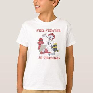 Camiseta O bombeiro no treinamento caçoa o t-shirt