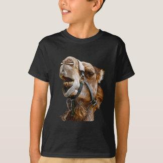 Camiseta O camelo caçoa o t-shirt