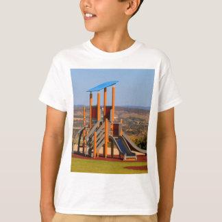 Camiseta O campo de jogos das crianças
