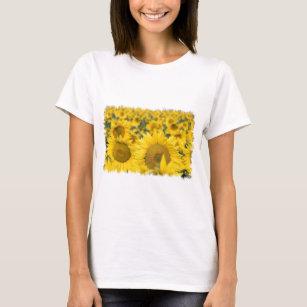 Camiseta O campo de senhoras dos girassóis coube o t-shirt