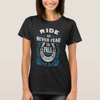 Camiseta O cavalo do passeio e nunca teme a queda