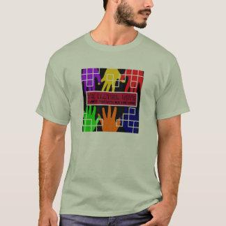 Camiseta O CD com paradas da excursão suporta sobre