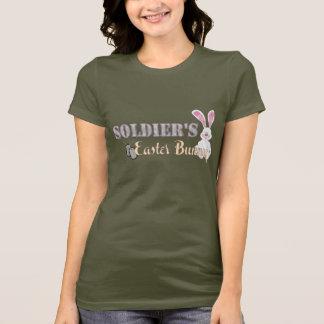 Camiseta O coelhinho da Páscoa do soldado