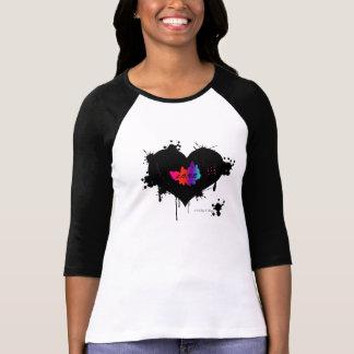 Camiseta O coração quebrado ostenta o T