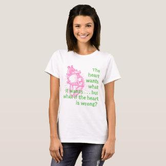 Camiseta O coração quer o t-shirt das mulheres
