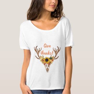 Camiseta O crânio da cabeça dos cervos da queda dá a
