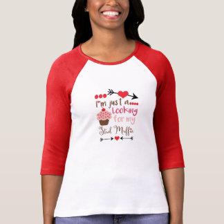Camiseta O cupcake dos namorados que procura o muffin do