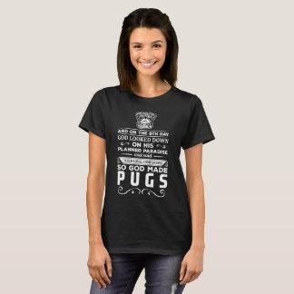Camiseta O deus fez a Pugs companheiros leais t-shirt