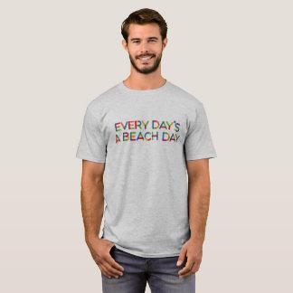 Camiseta O dia da praia de cada dia um