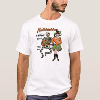 Camiseta O Dia das Bruxas dançarinos esqueleto e bruxa