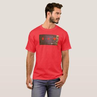 Camiseta O dinheiro mais o T dos homens do amor dos iguais