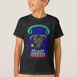 Camiseta o elefante trumping de surpresa