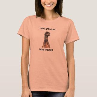 Camiseta O eMU-lated do Emu frequentemente nunca igualou o