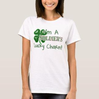 Camiseta O encanto afortunado do soldado