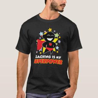 Camiseta O ensino é minha superpotência