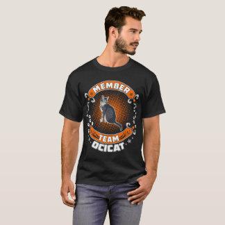 Camiseta O gato de Ocicat do membro da equipa Pets o Tshirt