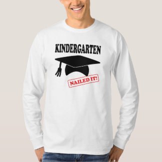 Camiseta O jardim de infância pregou-o