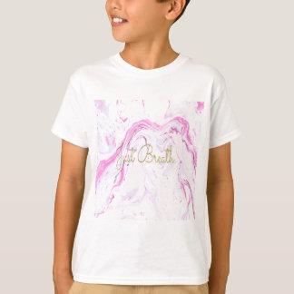 Camiseta O mármore cor-de-rosa apenas respira o design