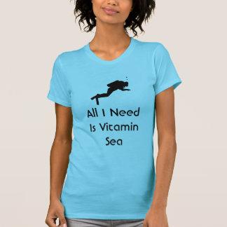 Camiseta O mergulhador todo que eu preciso é mar da