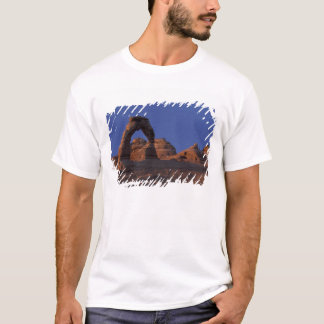 Camiseta O NA, EUA, Utá, arqueia o parque nacional.