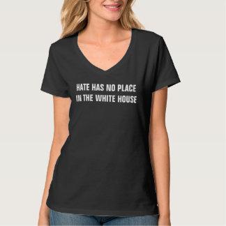 Camiseta O ódio não manda nenhum lugar na casa branca
