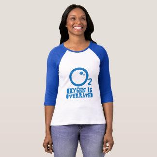 Camiseta O oxigênio é avaliado em excesso