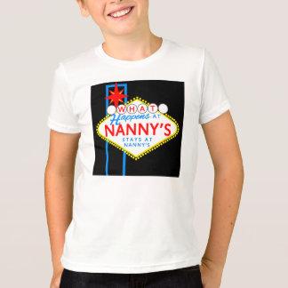 Camiseta O que acontece nas estadas do baby-sitter no