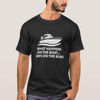 Camiseta O que acontece nas estadas do barco… no barco