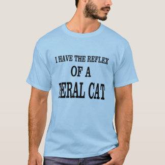 Camiseta O reflexo de um gato feroz!