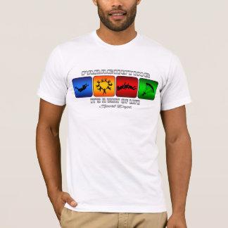 Camiseta O salto de pára-quedas legal ele é um modo de vida