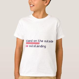 Camiseta O suporte na parte externa seja proeminente