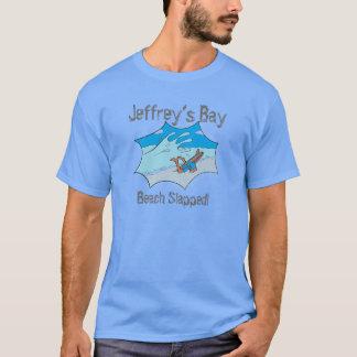 Camiseta O surfista golpeado praia da baía de Jeffrey limpa