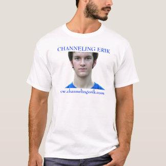 Camiseta O T branco dos homens