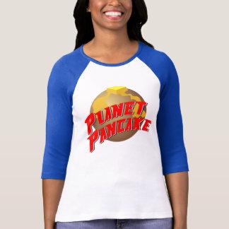 Camiseta O T das mulheres da panqueca do planeta