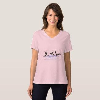Camiseta O T do V-Pescoço das mulheres, colore o rosa