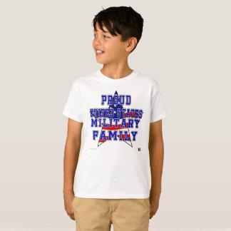 Camiseta O T dos miúdos militares orgulhosos da família -