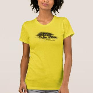 Camiseta O t-shirt amarelo do papel de parede