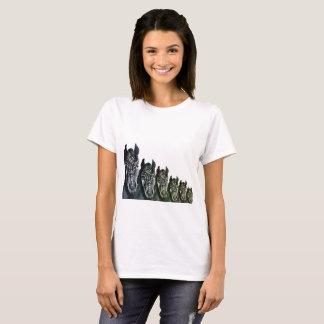 Camiseta O t-shirt básico das mulheres, arte dos cavalos