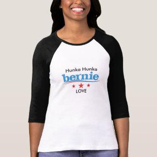 Camiseta O t-shirt da mulher do amor de Hunka Hunka Bernie