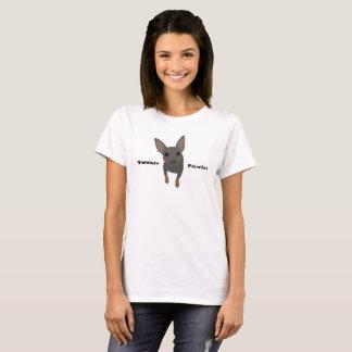 Camiseta O t-shirt das mulheres azuis do Pinscher diminuto